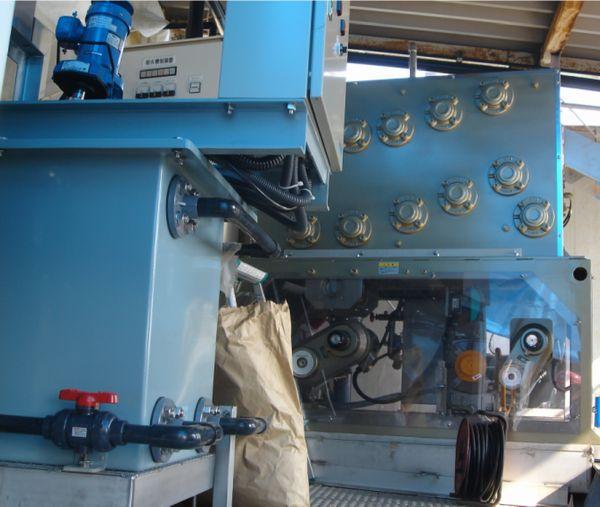 排水処理施設汚泥脱水機更新